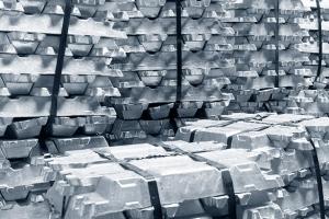 Aluminum or zinc ingots