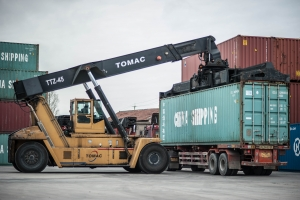 Loading container on freight truck e-commerce